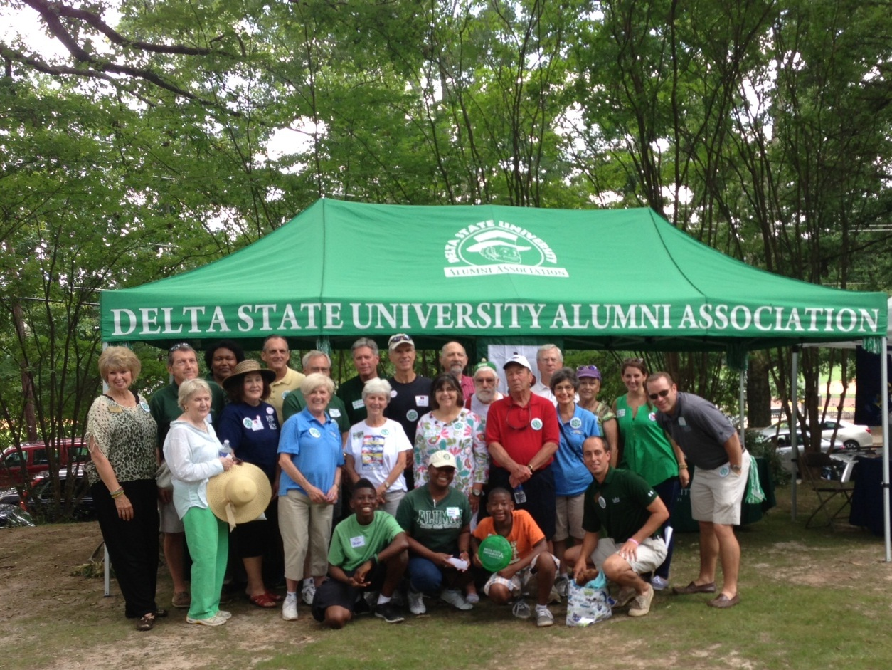 Photo:  Delta State University alumni and friends gather for a photo at the 5th Annual Mississippi in the Park in Atlanta, Ga.