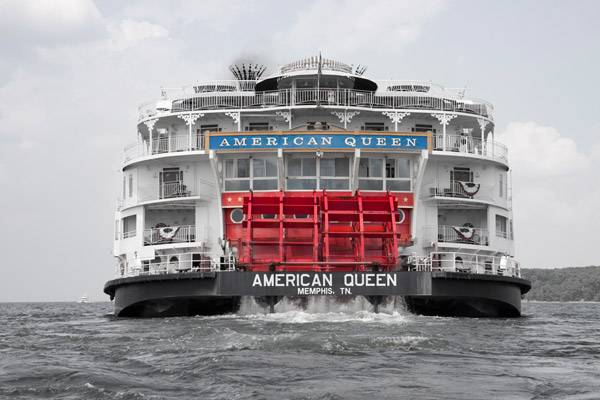 Thousands of visitors enjoy a steamboat cruise on the Mississippi River each year.