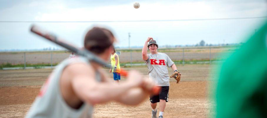 softball-intramurals-2015-3