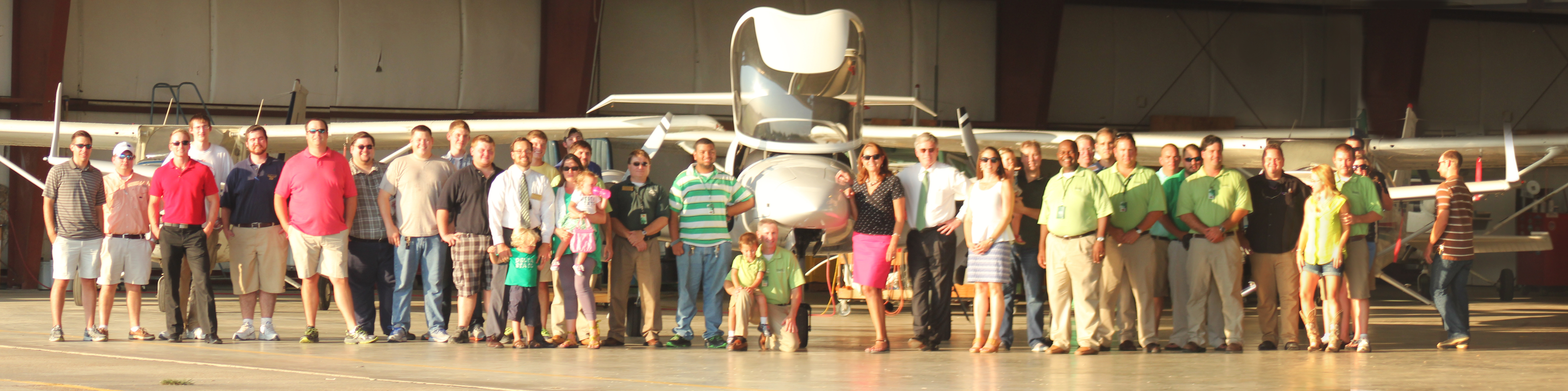 William and Nancy LaForge with aviation students, faculty, staff, advisory board, alumni and friends.