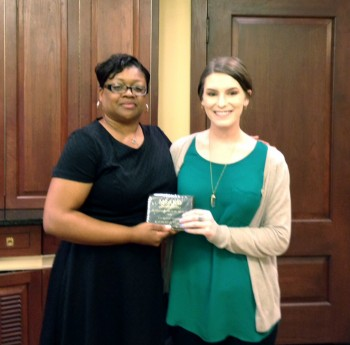 President Lashaundrea Crook (left) of the Mississippi Academy of Nutrition and Dietetics, presents Delta State student Katherine Floyd with the 2016 Outstanding Dietetics Student award.