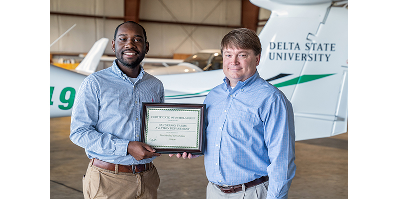 Sanderson Farms aviation scholarship 2017